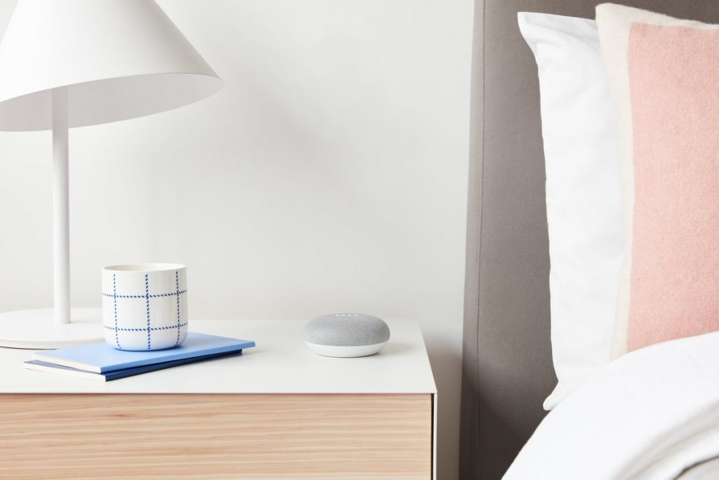 Google Home Mini Review: op nachtkast